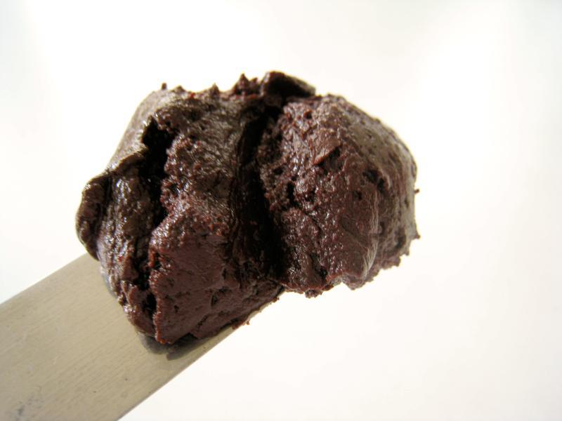 Vegan Chocolate Velvet Frosting - Veganbaking.net - Recipes, desserts ...