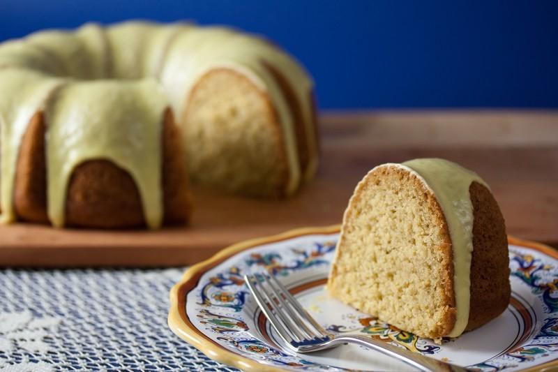 Rosemary Semolina Cake